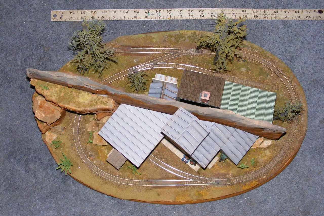 N: Russ Haigh, an oval mini On18 layout